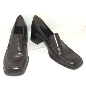 BANDOLINO Leather Heeled Pumps Size 8 Brown
